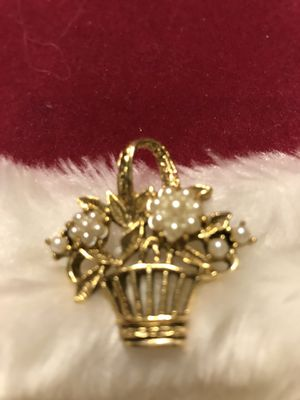 Pretty! Vintage Gold Basket Pin/ Brooch with tiny flower pearls for Sale in Bristow, VA