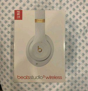 Sealed Beats Studio 3Wireless Headphones White for Sale in Visalia, CA