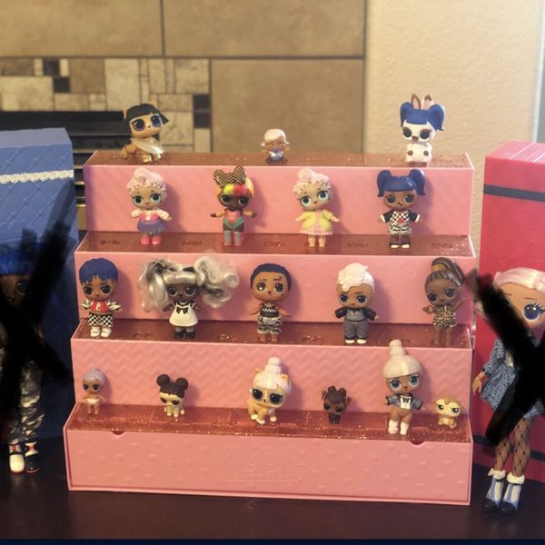 Lol Dolls And Stand
