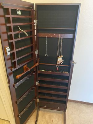 Jewelry cabinet for Sale in University Place, WA