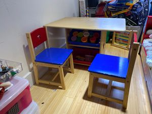 Kid Kraft table with matching chairs for Sale in New York, NY