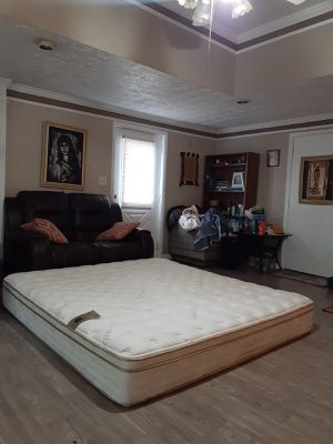 Super nice and clean king mattress only SAATVA less than 6 months old for Sale in Fayetteville, GA