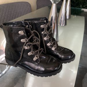 Girl Boots Size 2 for Sale in Monrovia, CA