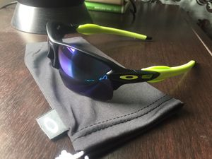 Oakley Flak 2.0 for Sale in Arlington, TX