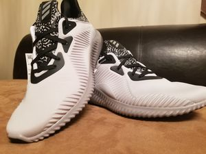 ***Adidas Alphabounce M Training Shoes Casual, size 9*** for Sale in St. Louis, MO