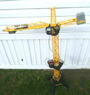 Electric toy construction crane for Sale in Brownstown Charter Township, MI