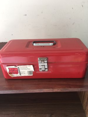 Small metal tool box for Sale in Fairfax, VA