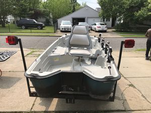 Basshound 10.2 boat and trailer for Sale in Euclid, OH