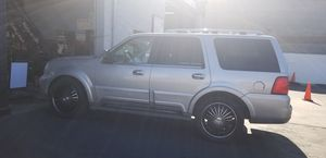 """Lincoln navigator 04 fully load new 22""""rims just got a nice over haul new coils fuel injectors new ecm computer i have fixed anything that has broken for Sale in Los Angeles, CA"""