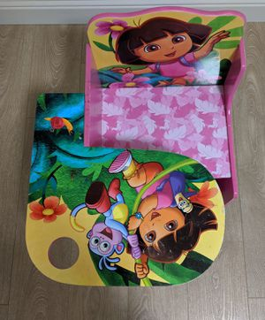 Dora kids desk and chair for Sale in San Jose, CA