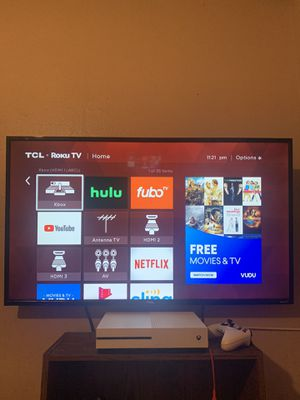 TCL Roku Smart Tv 43 inches in like new condition! for Sale in Houston, TX