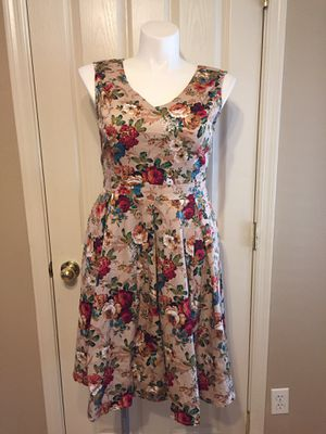 ROOSEY ♥️floral dress size LARGE (12/14) for Sale in Maricopa, AZ