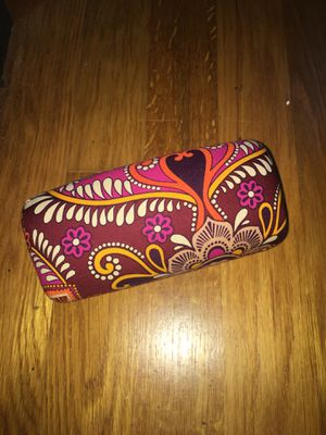 Vera Bradley purple Hardshell sunglass case for Sale in Silver Spring, MD