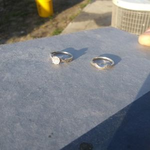 Size 7 Wedding Band Set for Sale in Port Richey, FL