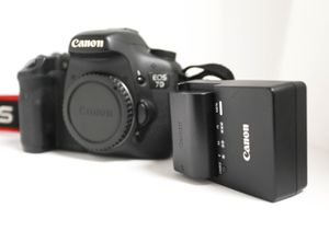 Canon 7D EOS BODY for Sale in Smyrna, GA