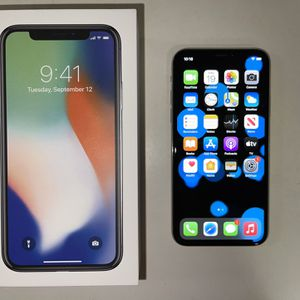 iPhone X ( 256 GB ) UNLOCKED & Accessories OBO for Sale in Austin, TX