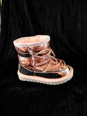 Kid girl metallic pink thermal snow boots for Sale in Valley View, OH