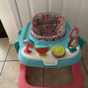Baby Walker for Sale in Spring Hill, FL