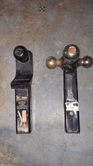 Unibersal Tow hitches 2 for 1 for Sale in Fairfield, CA