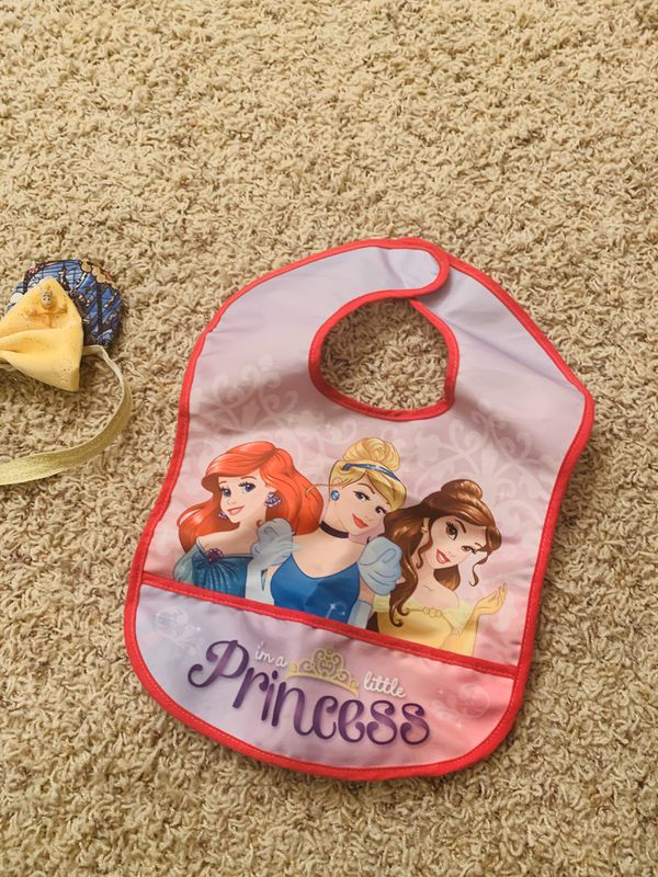 Baby Bib Lot Disney and The Office
