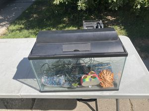 10 gallon fish tank with accessories for Sale in Salt Lake City, UT
