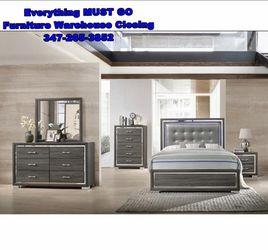 nice bedroom set. Must Go for Sale in Queens,  NY