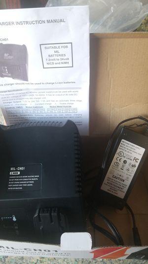 Cargador de bateria nuevo. En su caja con instruction todo nuevo for Sale in Montebello, CA