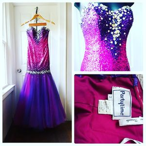 Party Time Formals, Mermaid Dress, Size 2 for Sale in Cleveland, OH