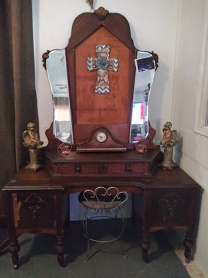 Antique vanity with chair for Sale in Victoria, TX