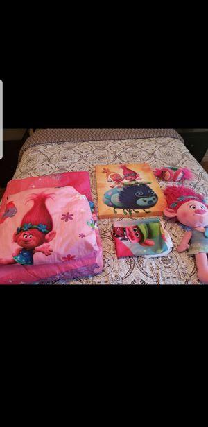 Twin Trolls comforter set with decor/Juego de cama individual con decoracion for Sale in Henderson, NV