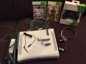 XBOX 360 COMES W EVERYTHING ++ TWO GAMES for Sale in New Kensington, PA