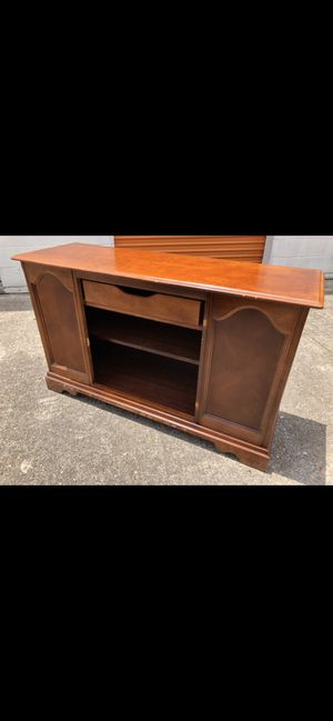 TV stand up to a 55 inch for Sale in Houston, TX
