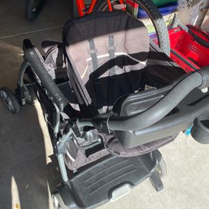Double toddler infant stroller for Sale in Apple Valley, CA