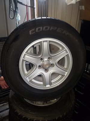 Jeep Cherokee wheels with tires for Sale in South Gate, CA