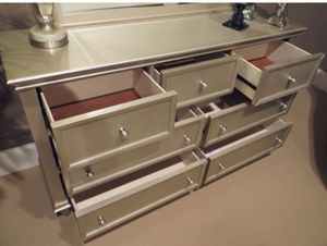 Celandine Silver Dresser | 1928 for Sale in Austin, TX