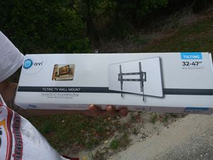 Tv wall mount for Sale in Babson Park, FL