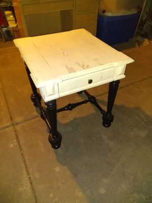 End table for Sale in Glendale, AZ