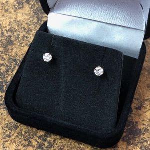 Diamond Studs .60 CTW (.30 each) 14kt Yellow Gold Screw Back #4622 for Sale in Scottsdale, AZ