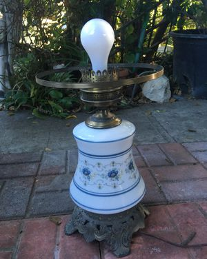 Antique Quoizel lamp for Sale in Bellflower, CA