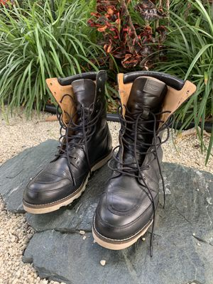 Motorcycle boots (TRIUMPH) for Sale in Miami, FL