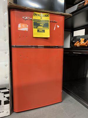Frigidaire 3.2 cu. ft. 2 Door Retro Mini Fridge in Red for Sale in Westminster, CA