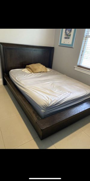 Queen Bedroom Set Furniture for Sale in Naples, FL