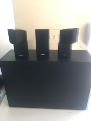 Bose Tv Speaker Set (Comes with Cords) for Sale in Philadelphia, PA