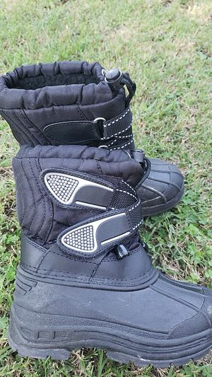 Snow boots size 11 kids for Sale in Downey, CA