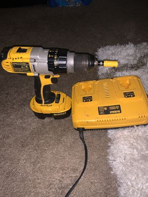 Dewelt Hammer drill with battery and charger. for Sale in Woodbridge, VA
