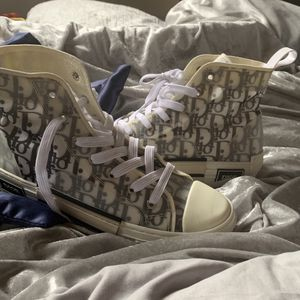 dior b23 hightop sneakers for Sale in Brentwood, MD