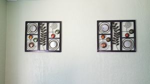 Set of 2 metal wall frame decor for Sale in Cleveland, OH