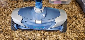 Zodiac Baracuda MX8 POOL CLEANER with 20 foot hose. for Sale in Mesa, AZ