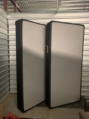 King Mattress Box Spring for Sale in Tampa, FL