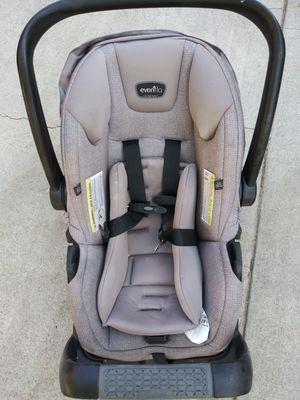 Car seat for Sale in San Bernardino, CA